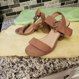 Cute never worn size 8 sandals